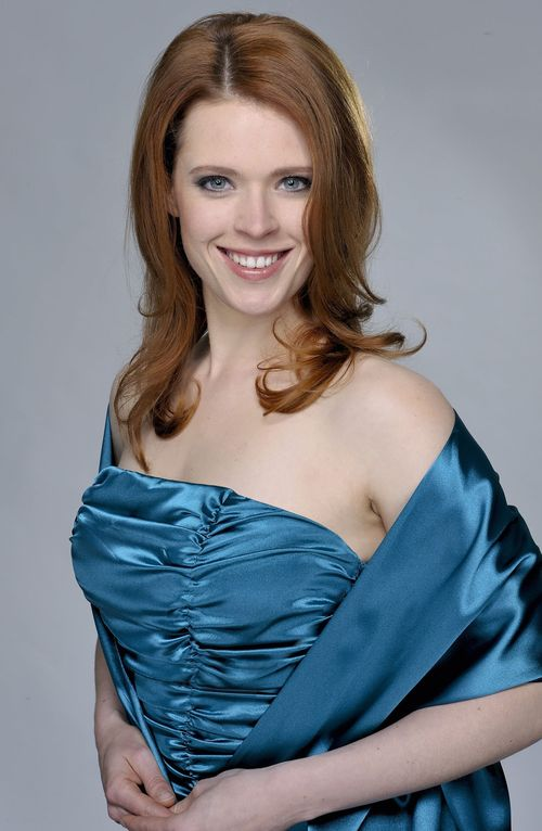 Bella Jacobs (Janina Isabell Batoly)