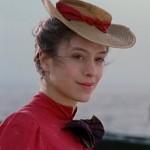 lesbienne chapeau moche